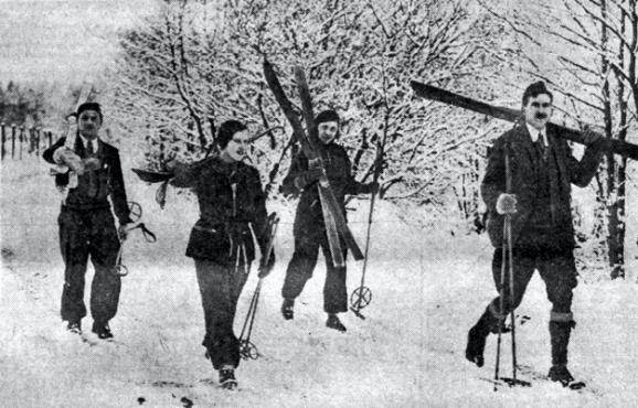 Caption: Betty Rushby (second from left) enjoying winter sports with friends in the Cairngorns. Image from the Dundee Courier, 20 January 1933. © DC Thomson & Co Ltd, via British Newspaper Archive.