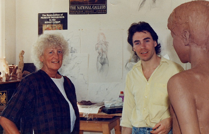 Dame Elisabeth Frink with John McKenna, a student at Sir Henry Doulton School of Sculpture, c.1987. (Creative Commons licence)