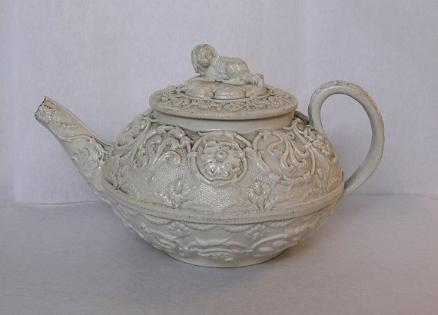 Salt-glazed Teapot, c.1800 with Spaniel