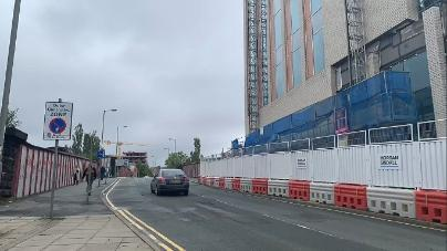 You are now walking up hill joining Copperas Hill until you reach the traffic lights