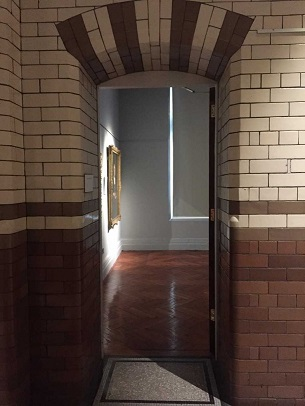 Entrance to gallery 4, first floor